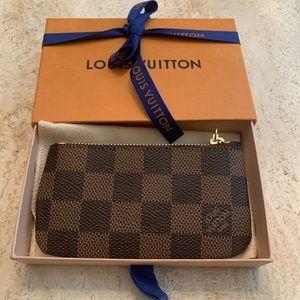 Louis Vuitton eben damier key pouch